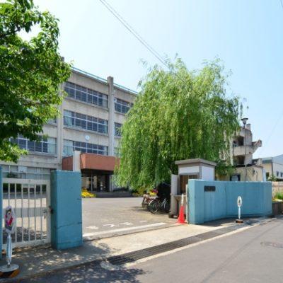 ■貝塚市立東小学校まで 徒歩約6分(約480m)