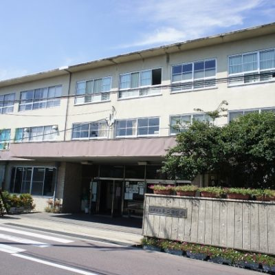 ■貝塚市立第二中学校まで 徒歩約1分(約80m)