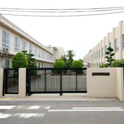 忠岡中学校まで499m(徒歩約7分)